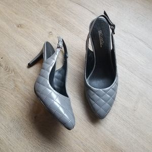Brooks brothers gray quilted leather heels 8